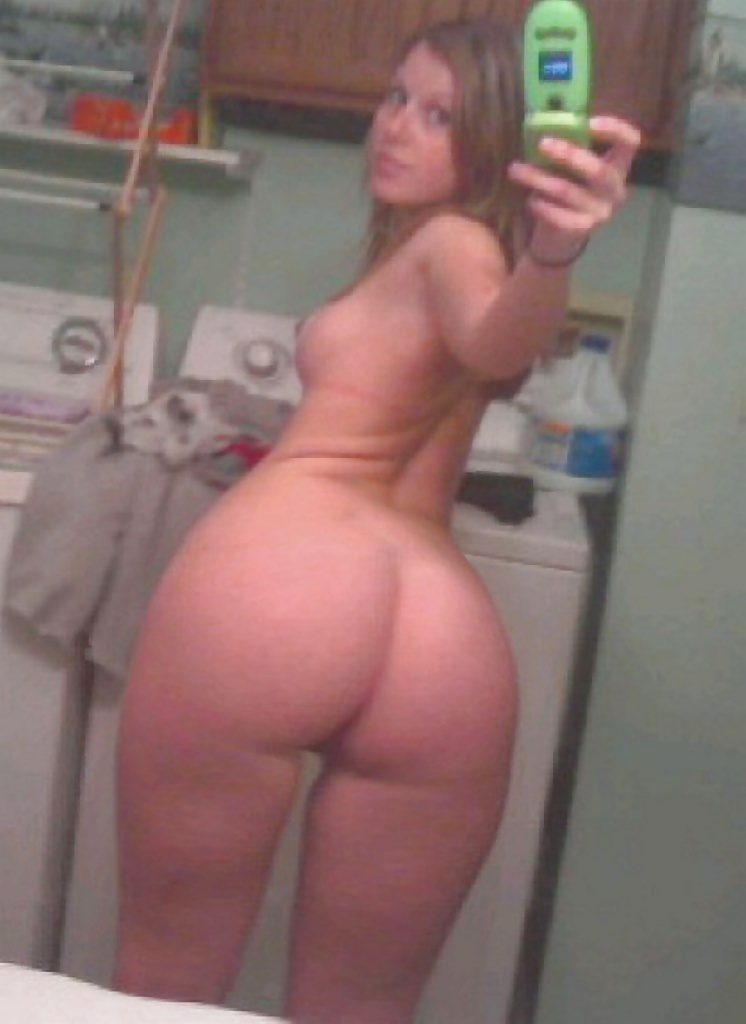 thick-self-shot-booty-porn-images-top-notch-pussy