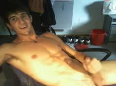 Hot Amateur Dude Jerks off and Cums Over His Abs on Cam