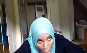 Arab Hijab Teen Loves to give Blowjobs