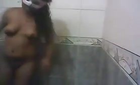 Desi couple fun in bathroom with audio