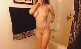 Hot Brunette Toys in Shower on Cam