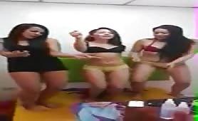 3 Novinhas Com Fogo No Cu