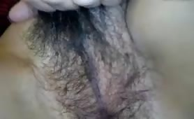 Hairy Pussy on Mature Lady Getting Toyed and Rubbed