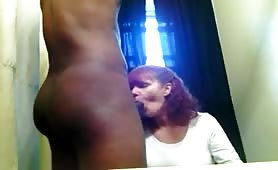 White Mature Sucking BBC on Webcam