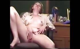 Horny Secretary Bates to Orgasm on vintage cam show