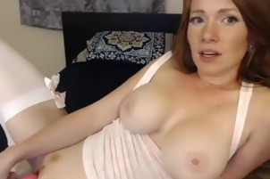 Sexy red head with big Boobs on webcam - NEWSEXYCAM